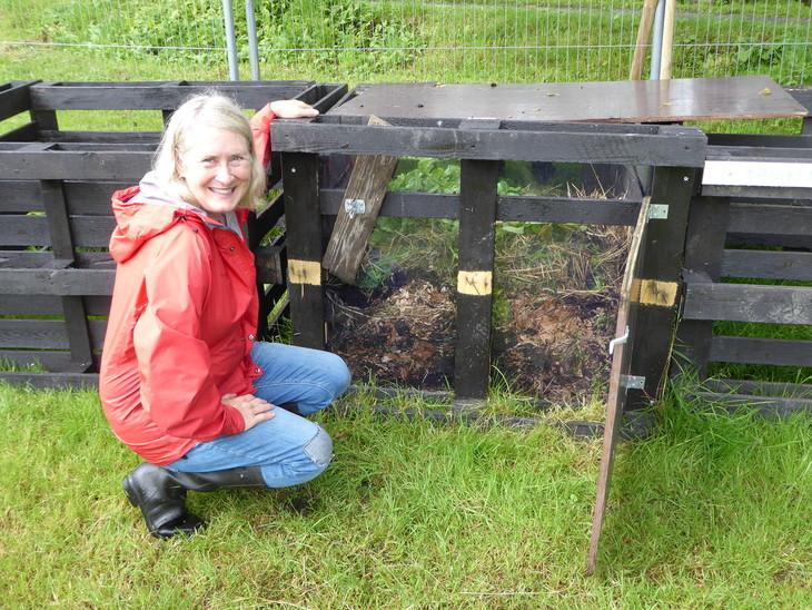 Solveig har laga ein pedagogisk kompostbinge med glassvegg
