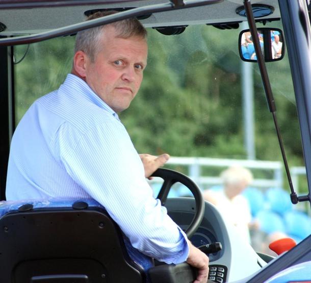 Nils T. Bjørke.