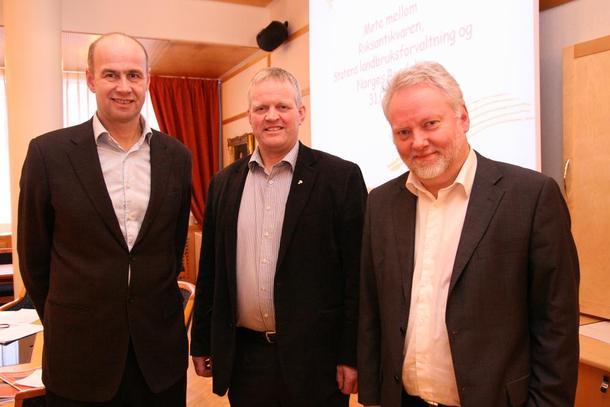 Haslum, SLF, Bondelagsleder Nils T. Bjørke og Riksantikvar Jørn Holme.