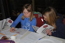Unge studenter på landbrukspolitisk kurs.