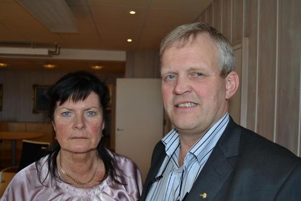 Småbrukarleder Merete Furuberget og Bondelagsleder Nils T. Bjørke møtte Statens forhandlingsleder lørdag morgen, foto: Per Ole Ranberg.