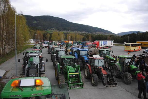 Et imponerende antall traktorer var samlet på Fryatun.