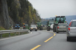 Saktegående trafikk langs E6.