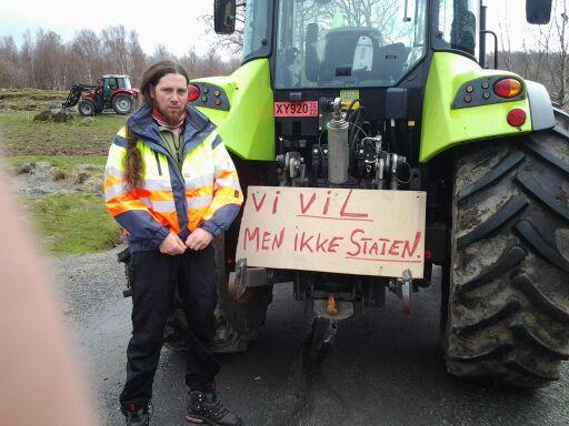 Leirfjord Bondelag_Bonden protesterer på årets jordbruksforhandlinger