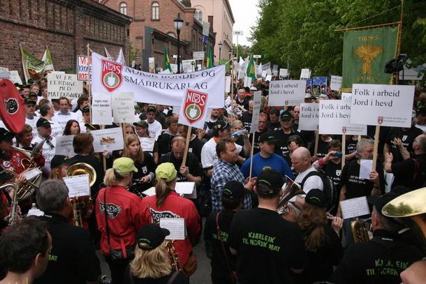 Det var trangt foran Statsministerens kontor, foto: Marthe Haugdal