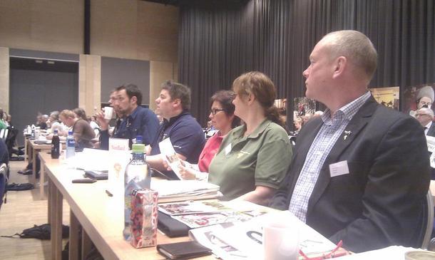 Årsmøtedelegatene fra Nordland fra høyre: Bernt Skarstad, Tove Mosti Berg, Wanja Rakvaag, Jan Gunnar Eilertsen, John-Erik Johansen og Kåre Holand.
