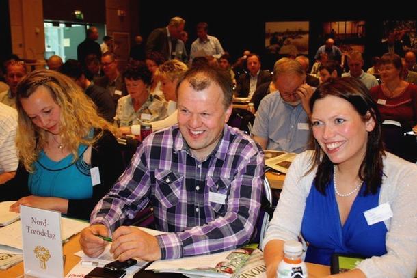 Nord-Trøndelag er på plass på årsmøtet på Lillehammer, her reprentert ved Borgny Kjølstad Grande, Johan Kristian Daling og Inger Hovde. (Foto: Marit Haugen)