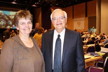 Berit Hundåla og Robert Carlson, hhv styremedlem og leder i World Farmers' Organisation.