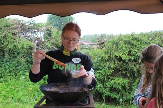 Anniken koker fløtekarameller.
