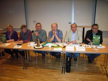 Brita Skallerud, NB, Reidar Åsgård, AP, Rune Øygarden, H, Trygve Magnus S. Vedum, SP, Per Roar Bredvold FrP, Christian Haugen, SV