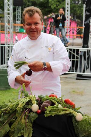 Jørn Lie er en av de tidligere Bondelagskokkene. Han er nå daglig leder på restauranten Vaaghald i Oslo.