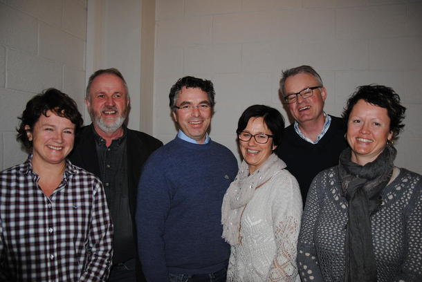 f.v. Marit Olive Lindstad, Trond Ellingsbø, Ole Seegard, Magnhild Grimsrud (OBK), Hans Gunstad og Hanne Bergesen. Jon Lerhol og Tormod Rognlien (OBU) var ikke tilstede da bildet ble tatt.