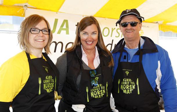 Blå-gult lag klar til innsats, fra venstre: Åste Marie Lande Lindau (KrF), Elin Agdestein (H) og Gunnar Viken (H).