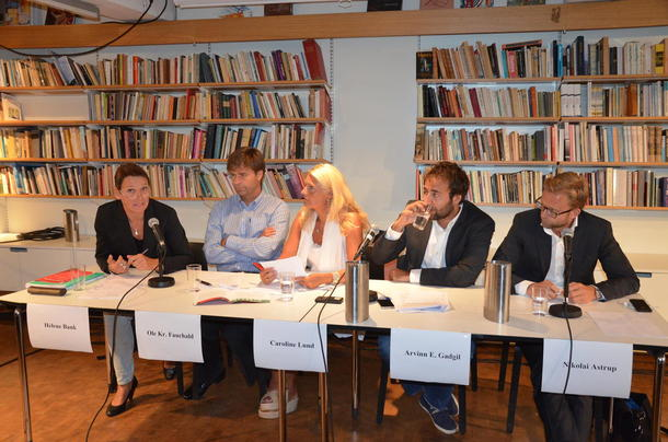 I panelet sat Ole Kristian Fauchald som er professor ved UiO, Caroline Lund som er advokat i Lund & Co DA, Arvinn E. Gadgil frå SV, Nicolai Astrup frå Høgre, og Helene Bank frå Handelskampanjen.