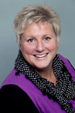 Andre nestleiar, Brita Skallerud representerte Norges Bondelag i høyringa hos næringskomiteen på Stortinget.