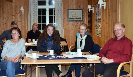 BRA OPPMØTE: Fra venstre Oddny Tanem, Toril Solum, Solrunn Kolstad og Herbjørn Kolstad var på møtet.
