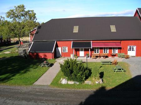 Bilde av våningshus rødt