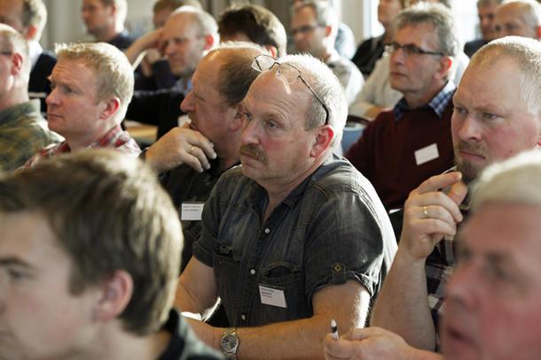 Odd Roar Opheim fra Skjelstadmark Landbrukslag og de andre deltakerne på ledermøtet fulgte godt med under debatten.