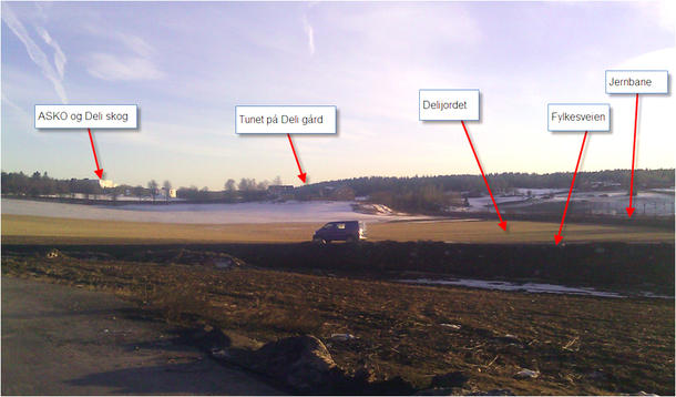 ...Bygget plasseres slik at resten av jordarealene i området kan bygges ut videre. ..