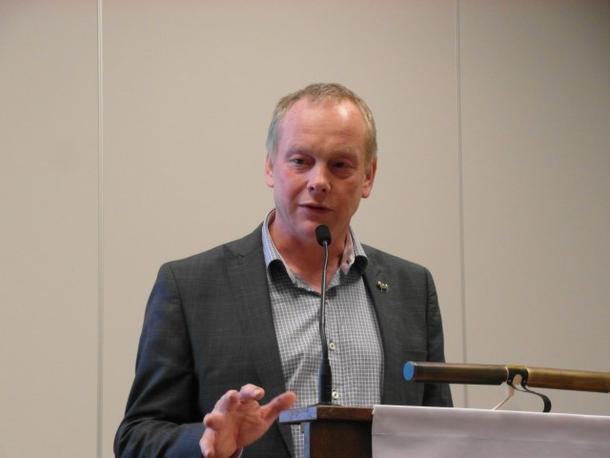 Fylkesleder Bernt Skarstad avslutter ledermøtet med å takke alle gjester og utsendinger