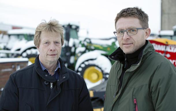 Jon Rannem (til venstre) og Jonny Melting er kritisk til skatteendringen, og mener den vil gjøre det tyngre for ungdom å ta over gårdsbruk.
