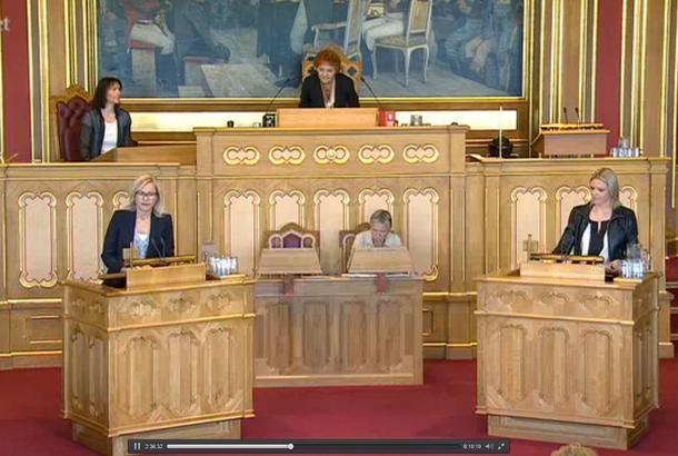 Fra replikkordskifte i jordbruksdebatten, her Ingvild Kjerkhol (Ap) og statsråd Sylvi Listhaug.