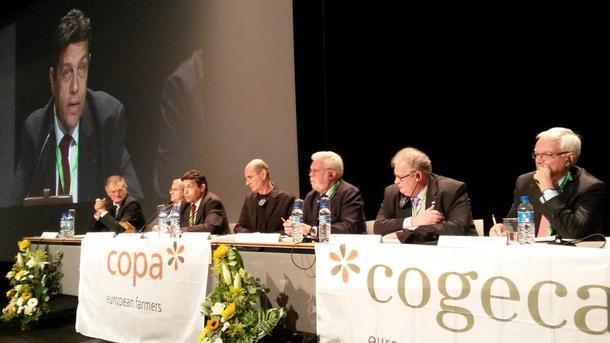 Frå møtet i Copa Cogeca nyleg.