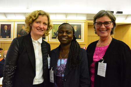 F.v. nestleiar i Norges Bondelag Kristin Ianssen, WFO-president Evely Nguleka og nestleiar i Nortura Kari Redse Håskjold deltok sist veke på FAOs globale dialogmøte om familielandbruket.