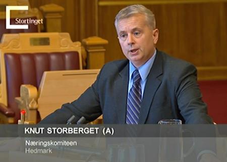 Knut Storberget på talerstolen i Stortingets spørretime. (Foto: Skjermdump Stortinget.no)