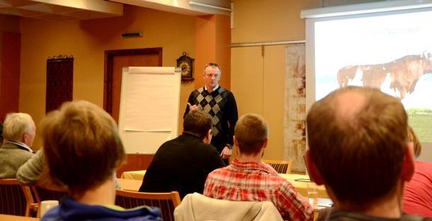 Øyvind Skarstad var en av innlederne på motivasjonsseminaret. (Foto: Lornts Eirik Gifstad, Snåsningen )
