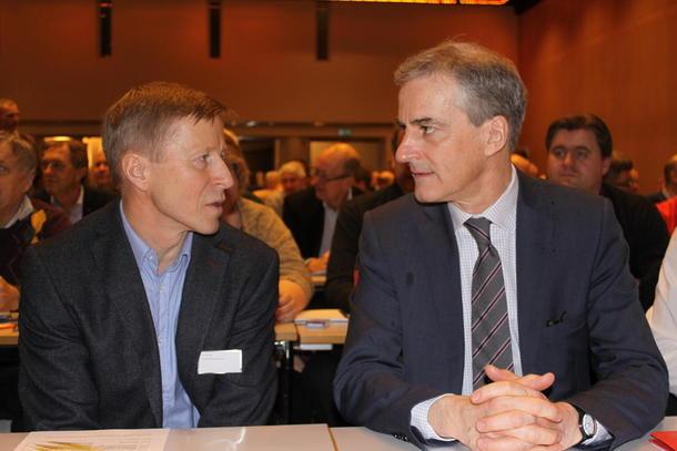 Arbeiderpartiets leder Jonas Gahr Støre (høyre) og generalsekretær i Bondelag Per Skorge.  Arkivbilde.