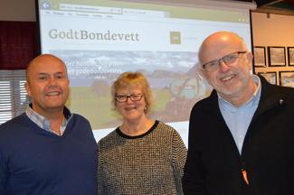 Innlederne: Melkeprodusent på Godøya, Odd Christian Stenerud (t.v.), Eva Sande ved Midtnorsk HMS-senter i Surnadal og motivator og kåsør Arild Hoksnes fra Aukra.