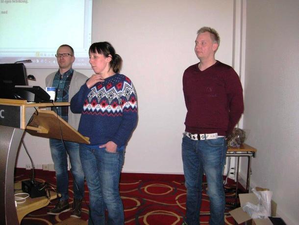 Vegard Hykkerud, Britt Mari Andersen og Nils Andreas Tornensis i resolusjonskomiteen.