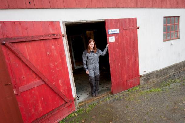 SKAL OVERTA: Anne Lise Haugdahl Humstad vil overta gården - når den tid kommer.