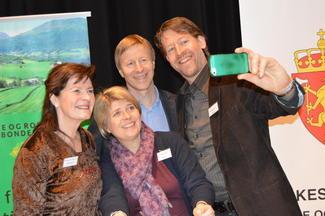 Selfie på næringskonferansen. Fra venstre: Merete Furuberg, Nina Sundquist, Per Skorge og Aasmund Nordstoga. (Foto: Arild Erlien).