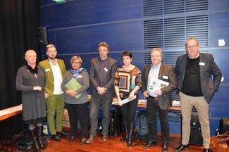 Politikerpanelet på næringskonferansen. Fra venstre Margaret Hoff Berg (Frp), Kim Thoresen Vestre (SV), Rigmor Andersen Eide (KrF), Ola Sønderland (Miljøpartiet de Grønne), Else May Botten (Ap), Jan Ove Tryggestad (Sp) og Pål Farstad (V).