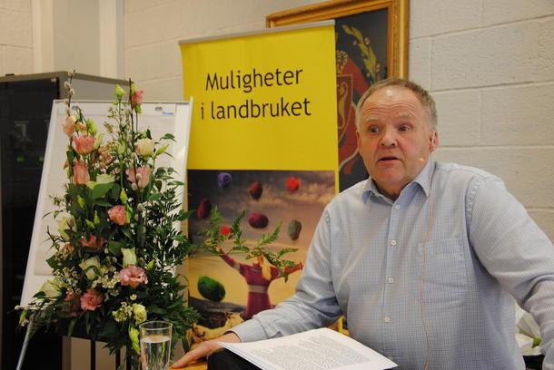 Å skrive under en jordbruksavtale er ikke det samme som å legitimere regjeringens politikk, sa Bjørn Iversen til årsmøtet i Oppland Bondelag