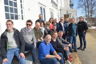 Fylkesstyrene i M&R Bondelag og Troms Bondelag samlet utenfor Rundhaug gjestegård i Målselv (Alle foto: Arild Erlien).