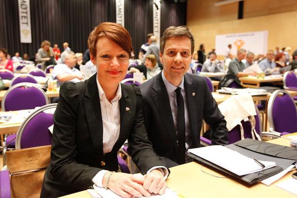 Line Henriette Hjemdal og Knut Arild Hareide frå KrF på Bondetinget. Lovnadene derifrå vart ikkje gjentatt i Stortinget i dag.