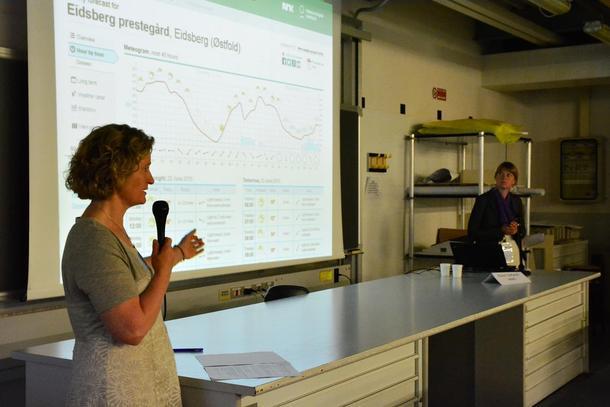 Nestleiar Kristin Ianssen i Norges Bondelag fortalde bønder frå ulike deler av verda om korleis norske bønder jobbar med klimaendringar på World Farmers Organisations generalforsamling i Milano.