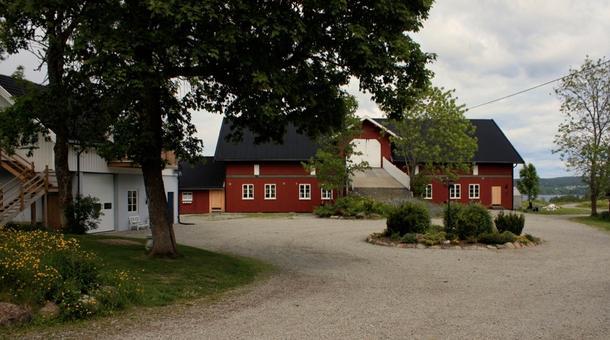 Inn på tunet-gården Sand i Enebakk.