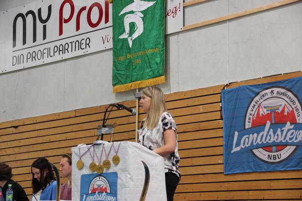 Gunn Jorunn Sørum holder tale til årsmøtet. Hun ble senere gjenvalgt som leder.