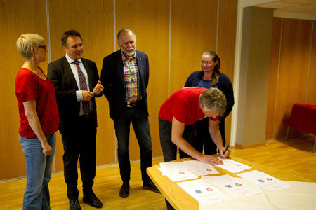 Signering Aps landbrukspolitiske manifest