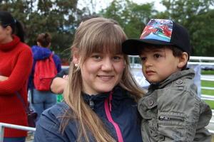 Mariell Skildheim og sonen hadde ein fin dag på Open Gard
