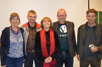 Fra venstre: Sissel Hansen i NIBIO (tidligere Bioforsk), Sverre Heggset i Landbruk Nordvest, Kari Gåsvatn, kommentater i Nationen, stortingsrepresentant Pål Farstad fra Venstre og Tingvoll-ordfører Peder Hanem Aasprang fra Senterpartiet.