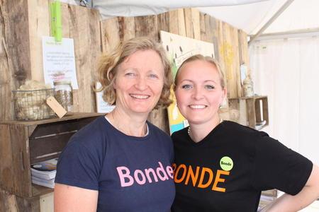 Første nestleder i Norges Bondelag stod på stand sammen med og Jane Dahl Sogn.