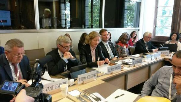 WTO-panel f.v. Piet Vantemsche, europeisk representant i WFO, William Rollerston (New Zealand), Kristin Ianssen, Beat Röösli (Sveits), Evelyn Nguleka (president WFO), og David Wiens (Canada)