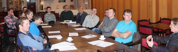15 tillitsvalde frå lokallaga i Luster, Sogndal og Leikanger var samla til regionmøte på eikum Hotell på Hafslo.