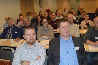 Oddvar Mikkelsen (t.v.) overtok som fylkesleiar etter Inge Martin Karlsvik. (Foto: Arild Erlien).