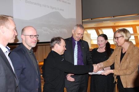 F.v. Gaute Nøkleholm (Norskog), Erling Aas-Eng (Bondelaget), Jon Anders Mortenson (Svahken sijte), Eirik Milde (H), Eva Kristin Hansen (Ap) og Marit Arnstad (Sp)